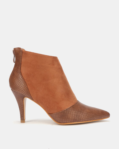 LaMara Pointy Ankle Boots Brown