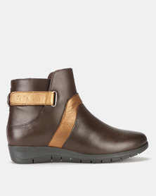 Step On Air Aqueelah Leather Ankle Boots Choc