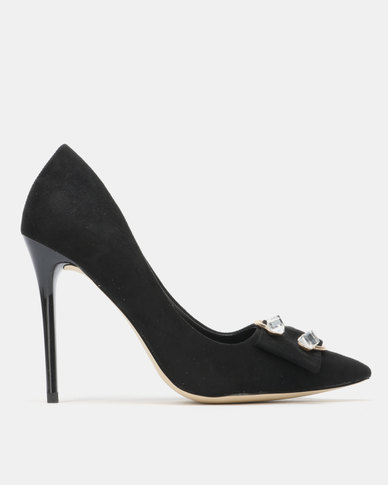 Sissy Boy Court with Detail Heels Black