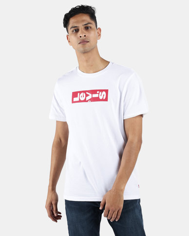 Levi's ® Relaxed Graphic Tab Tee Lazy White