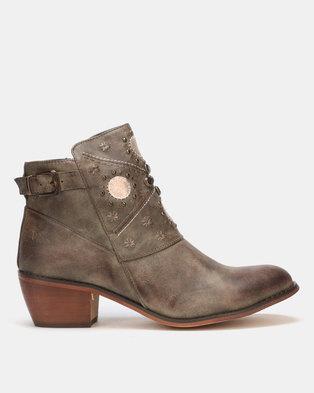 1ddc08ab210 Plum Footwear Online in South Africa | Buy | Zando