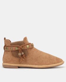 Butterfly Feet Chesta Boots Camel
