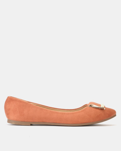 Legit Pointy Pump with Metal Trim Tan