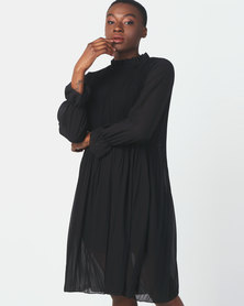 Utopia Pleated Flare Dress With 3/4 Sleeves Black