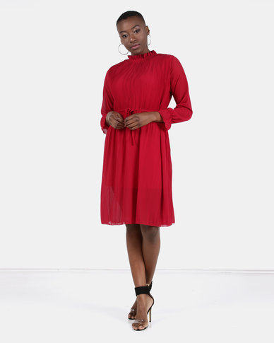 Utopia Pleated Flare Dress With 3/4 Sleeves Red
