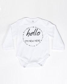 Moederliefde I'm New Here Babygrow White