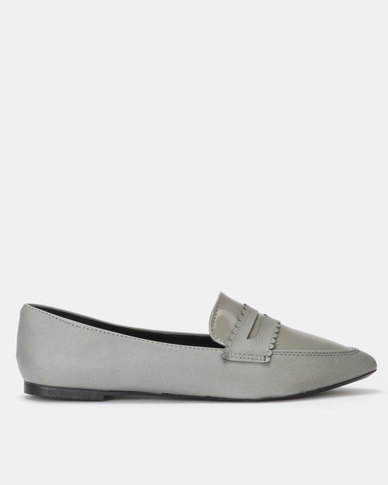 Legit Pointed Multi-Fabric Loafer with Scalloped Vamp Grey