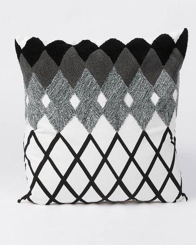 Utopia Medium GEO Scatter Cushion Black & White