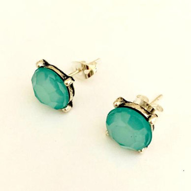 We Heart This Turquoise Round Studs