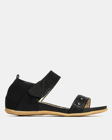 Butterfly Feet Quincy Wedges Black