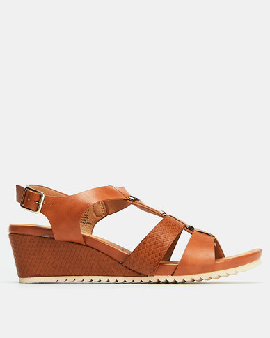 Butterfly Feet Montague Wedges Tan