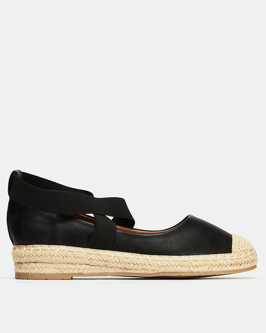 Butterfly Feet Katlin Black Sandal