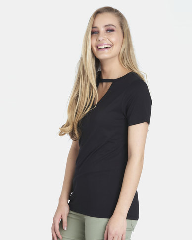 Contempo Keyhole Basic Tee Black