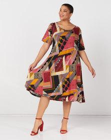 Queenspark Plus Collection Short Sleeve Umbrella Printed Knit Dress  Black