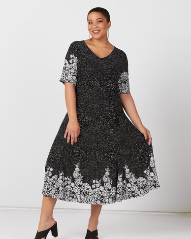 Queenspark Plus Collection Short Sleeve Border Floral Spot Knit Fit And Flare Dress Black/White