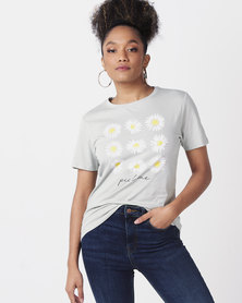 New Look Daisy Slogan T-Shirt Light Green