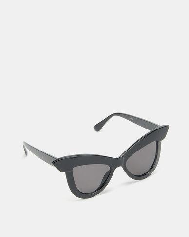 Dramatic Eye Sunglasses Black