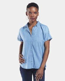 Levi's ® Light Mid Wash Sadie Button Back Shirt Blue