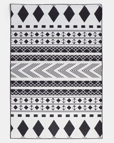 Utopia Rug Black And White