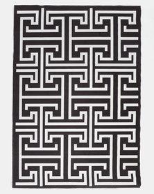 Utopia Maze Rug Black And White