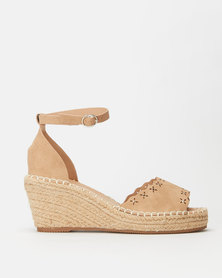 Butterfly Feet Paton 2 Wedges Nude