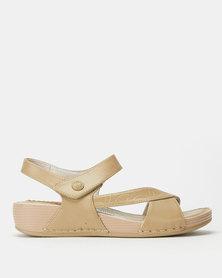 Butterfly Feet Barika Wedges Beige