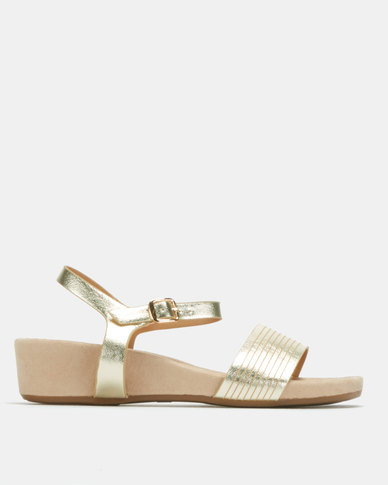 Butterfly Feet Presley Wedges Gold