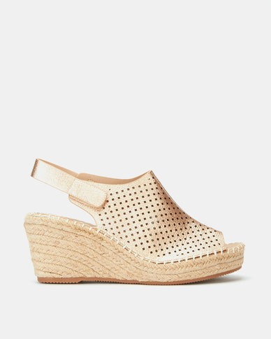 Butterfly Feet Marretimo Wedges Champagne
