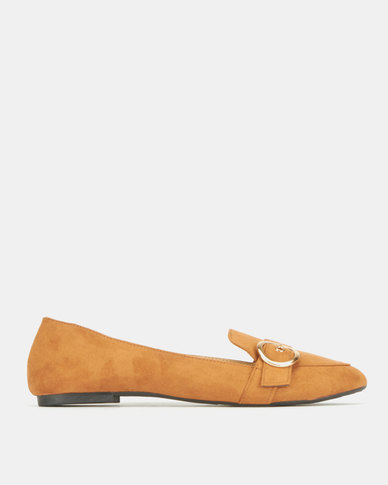 Legit Loafer With Big Round Buckle Detail Tan