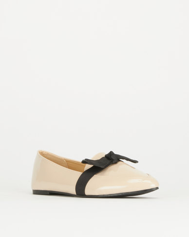 Legit Pointed Loafer With Contrast Bow Overlay Blush