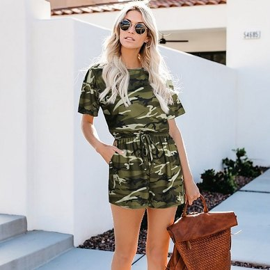 CAMO PRINTED SHORTSLEEVE T-SHIRT STYLE PLAYSUIT WITH SIDE INSET POCKETS & DRAWSTRING WAIST DETAIL