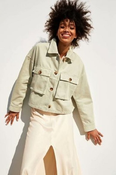 CROPPED UTILITY STYLE JACKET WITH OVERSIZED FRONT POCKETS