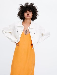 CROPPED 'TRUCKER' STYLE DENIM JACKET WITH OVERSIZED FRONT POCKETS