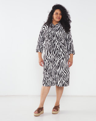 Queenspark Plus Collection Longer Length Printed Woven Jacket Black/White