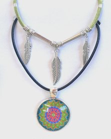 Abarootchi Paired Mandala necklace green & red with triple feathers