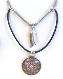 Abarootchi Paired Mandala necklace Grey with single feathers