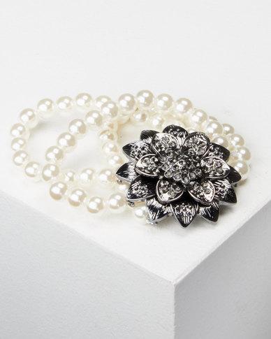 Queenspark 3 Row Pearl & Flower Bracelet White