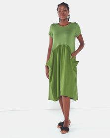 Famous Julie loose pocket dress in Olive