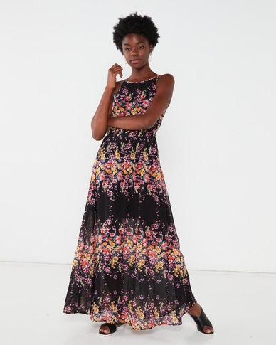 Revenge Ditsy Flower Print Maxi Dress Black