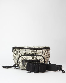 Steve Madden Summit 7 White Waist Bag Black