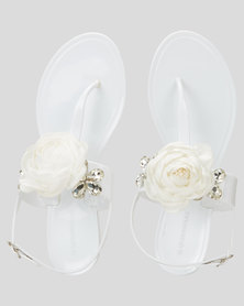 Queenspark Single Flower With Outer Crystals Sandals White