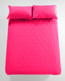 Utopia Fitted Sheet Cerise