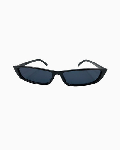 Miss Boss High Fashion Cateye Sunglass in Black