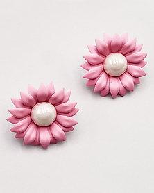 Karmiessentials Colourful Pearl Stud Earrings Light Pink