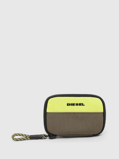 Coin Wallet With Two-Tone Design