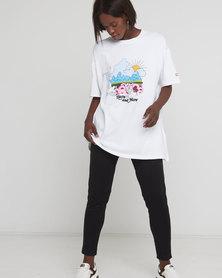 Levi's® Women's Graphic Roadtrip T-Shirt