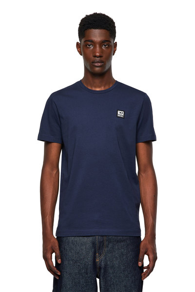 T-shirt with D logo patch