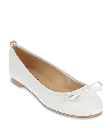 Nov 10,  · I have been looking for plain white heels for a while now, so I can decorate them with Swarovski crystals. I need a pair that is a nice shape, with an around 5 inch heel, not a cheap looking one. But I want it around $60 or less, because more than that is too much considering I am going to change it with the shopnow-bqimqrqk.tk: Resolved.