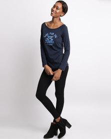 Bulls Long Sleeve Scoop Neck Graphic T-Shirt Blue
